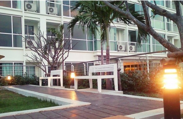 BKKMOVE Agency's 40sqm Ready to move in, Fully Furnished 1 Bedroom Apartment to let at Le Luk 9