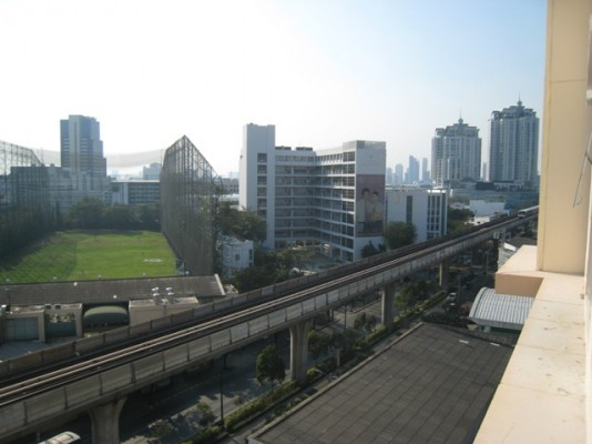 BKKMOVE Agency's 63sqm. High Rise, Tasteful two bedrooms flat for rent at Life Sukhumvit 65 5