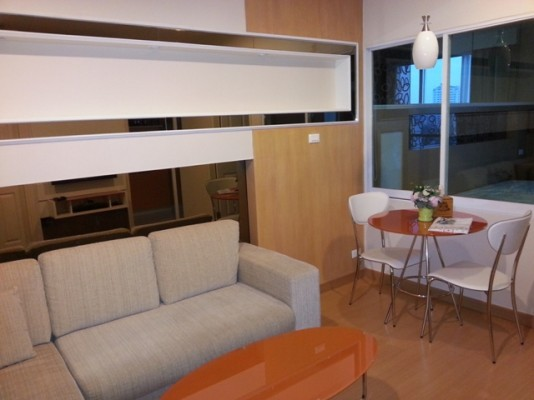 BKKMOVE Agency's 42sqm Brand New, High Rise One Bedroom Apartment to let at Life Sukhumvit 65 1