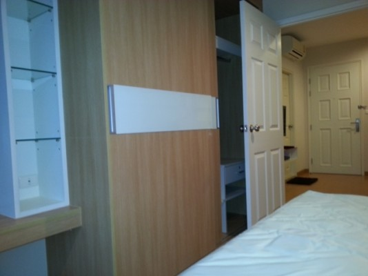 BKKMOVE Agency's 42sqm Brand New, High Rise One Bedroom Apartment to let at Life Sukhumvit 65 6