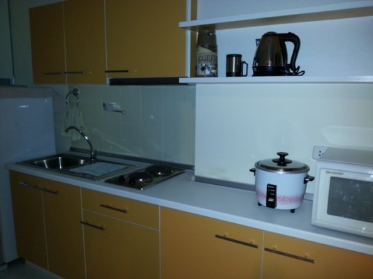 BKKMOVE Agency's 42sqm Brand New, High Rise One Bedroom Apartment to let at Life Sukhumvit 65 7