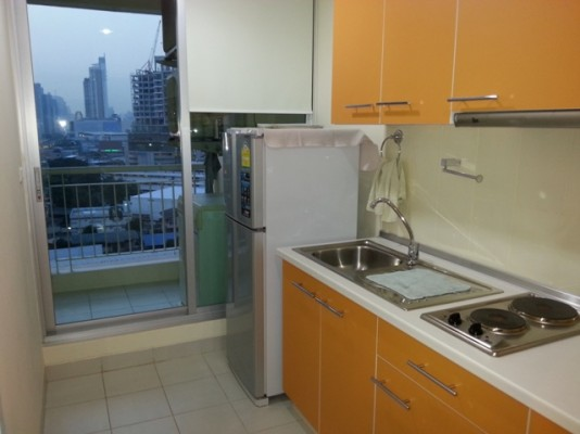 BKKMOVE Agency's 42sqm Brand New, High Rise One Bedroom Apartment to let at Life Sukhumvit 65 8