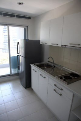 BKKMOVE Agency's 41sqm High Rise, Tasteful One Bedroom Condo for rent at Life Sathorn 10 3