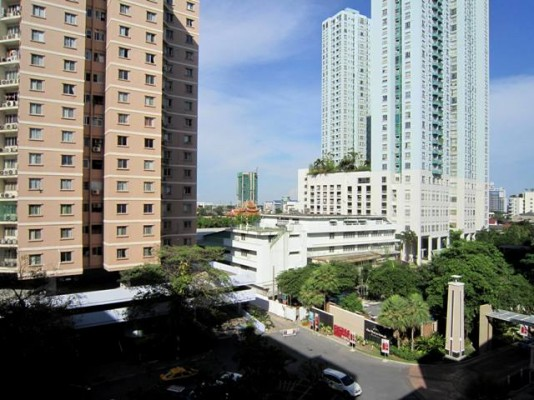 BKKMOVE Agency's 52sqm Nice, Contemporary One Bedroom Apartment for rent at Condo One X Naratiwat 24 9