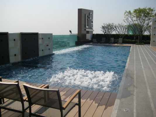 BKKMOVE Agency's 42sqm High Rise, Good price One Bedroom Flat for sale at Life Sukhumvit 65 3