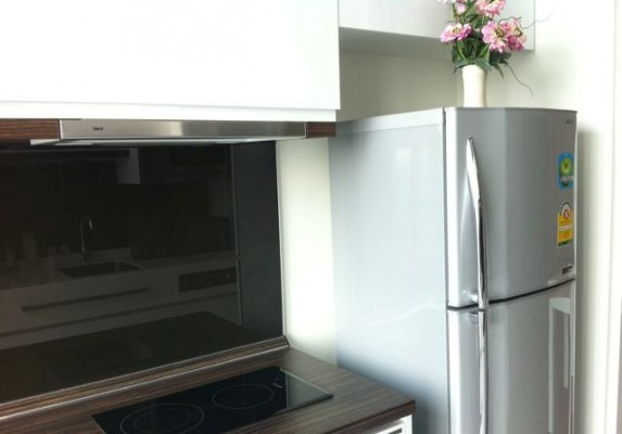 BKKMOVE Agency's 45sqm Luxury, Nice Taste One Bedroom Condo to let at The Room Sukhumvit 62 5