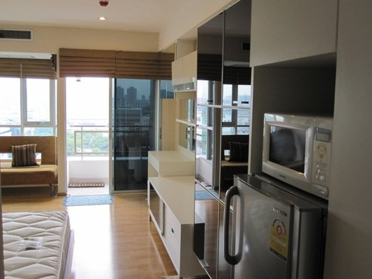 BKKMOVE Agency's 30sqm Nice, Well price Studio Condo to let at The Inspire Place ABAC 1