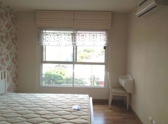 BKKMOVE Agency's 36sqm Tasteful, High Rise One Bedroom Apartment to let at S&S Sukhumvit 3