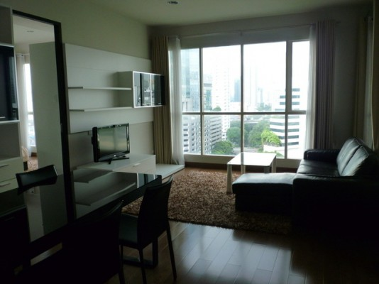 BKKMOVE Agency's 92sqm Spacious, Modern Two Bedrooms Condo for rent at The Address Chidlom 1