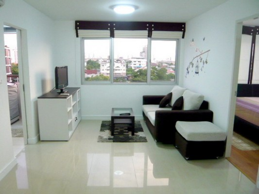 BKKMOVE Agency's 50sqm Low Rise, Good price One Bedroom Flat for rent at Condo One Sukhumvit 52 1