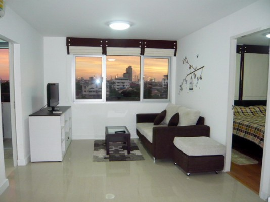 BKKMOVE Agency's 50sqm Low Rise, Good price One Bedroom Flat for rent at Condo One Sukhumvit 52 2