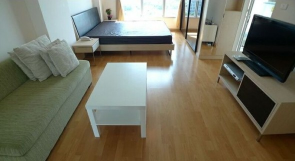 BKKMOVE Agency's 34sqm Tasteful, High Rise Studio Condo for rent at Life Ratchada 4