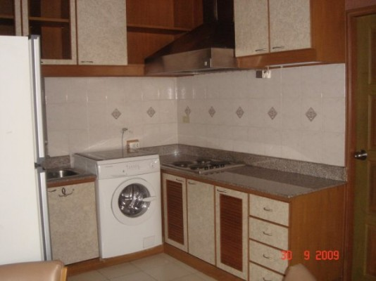 BKKMOVE Agency's 93sqm Spacious, Well priced Three Bedrooms Condo to let at Patumwan Resort 5