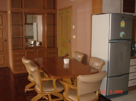 BKKMOVE Agency's 93sqm Spacious, Well priced Three Bedrooms Condo to let at Patumwan Resort 6