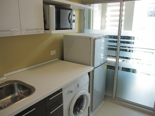 BKKMOVE Agency's 39sqm Peaceful, Low Rise One Bedroom Apartment for rent at The Room Sukhumvit 79 4