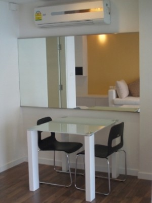 BKKMOVE Agency's 39sqm Peaceful, Low Rise One Bedroom Apartment for rent at The Room Sukhumvit 79 5