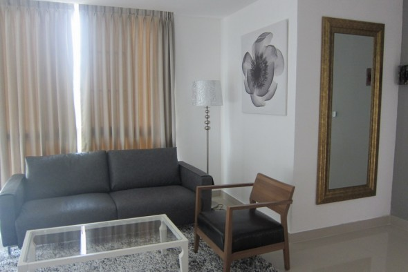 BKKMOVE Agency's 85sqm Well price, Nice Two Bedrooms Flat for rent at JC Tower 3