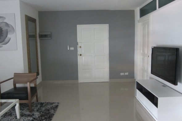 BKKMOVE Agency's 85sqm Well price, Nice Two Bedrooms Flat for rent at JC Tower 7
