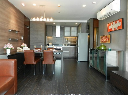 85sqm Luxury, Elegant Two Bedrooms Condo to let at Le Luk