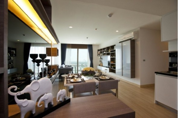 92sqm Luxury, Tasteful Two Bedrooms Condo to let at Sky Walk