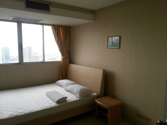 BKKMOVE Agency's 85sqm Well price, Convenient Two Bedrooms Condo to let at Waterford Diamond 30/1 4