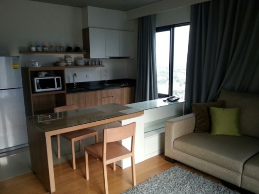 BKKMOVE Agency's 45sqm High Rise, Modern One Bedroom Apartment to let at Blocs 77 1