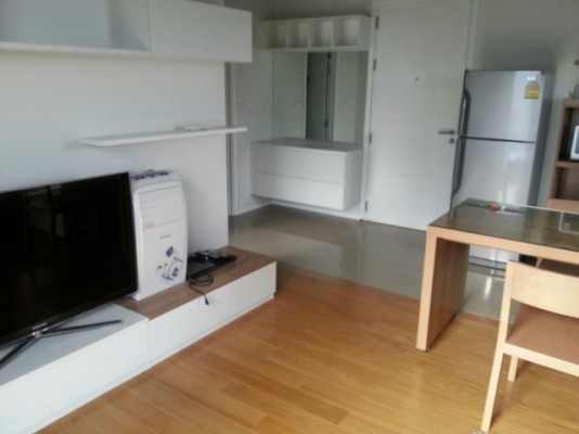 BKKMOVE Agency's 45sqm High Rise, Modern One Bedroom Apartment to let at Blocs 77 2