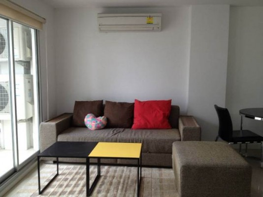 BKKMOVE Agency's 50sqm Low Rise, Nice One Bedroom Apartment to let at Condo One Siam 2
