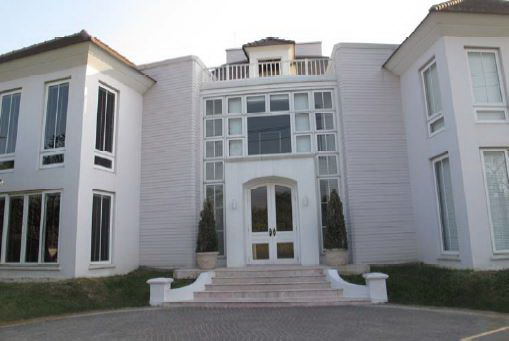 BKKMOVE Agency's 655sqm Spacious, Luxury Three Bedrooms Detach House for rent at Lakewood Village Private House Compound 1