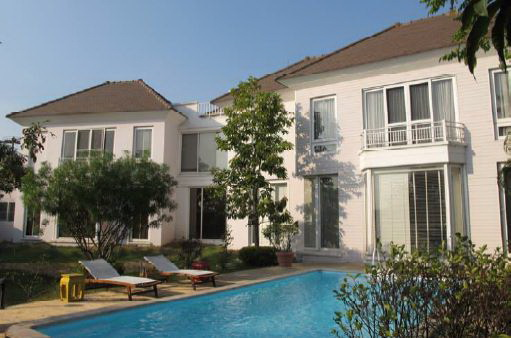 BKKMOVE Agency's 655sqm Spacious, Luxury Three Bedrooms Detach House for rent at Lakewood Village Private House Compound 2