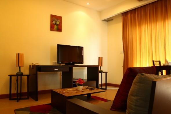 BKKMOVE Agency's 50sqm Convenient, Cozy One Bedroom Apartment to let at Sarin Suites Sukhumvit Bangkok 2