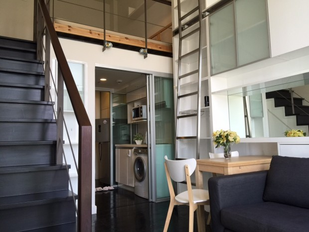 BKKMOVE Agency's 35sqm Cozy, Duplex Studio Condo to let at Ideo Morph 6
