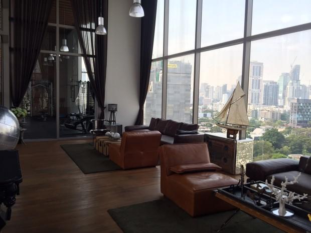 BKKMOVE Agency's 35sqm Cozy, Duplex Studio Condo to let at Ideo Morph 13