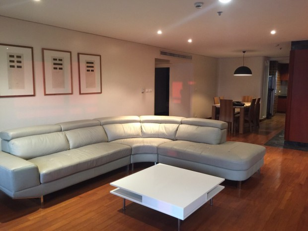 BKKMOVE Agency's 185sqm Beautiful, Spacious Two Bedrooms Condo for rent at Las Colinas 11
