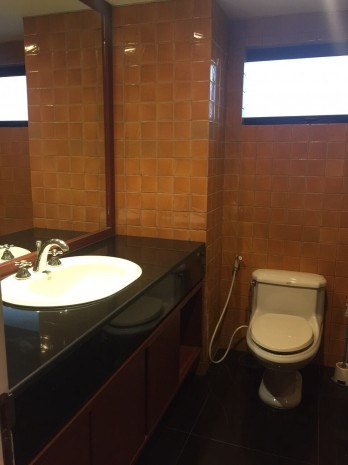 BKKMOVE Agency's 185sqm Beautiful, Spacious Two Bedrooms Condo for rent at Las Colinas 7
