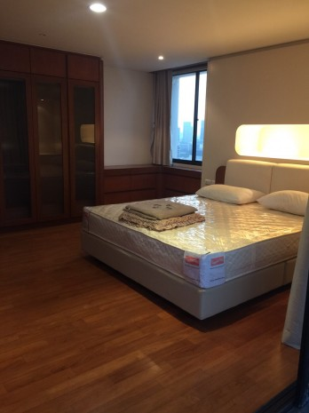 BKKMOVE Agency's 185sqm Beautiful, Spacious Two Bedrooms Condo for rent at Las Colinas 1