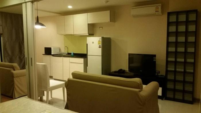BKKMOVE Agency's 40 sqm Beautiful, spacious one-bedroom condo for rent at Tree Ekkamai Sukhumvit 40 - 42. 5