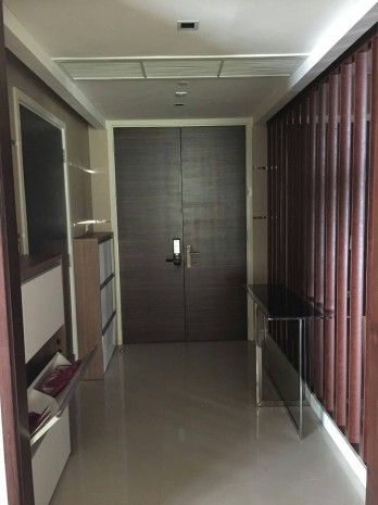 BKKMOVE Agency's Watermark Chaophraya River Condo ,River view Middle floor, 284 Sqm 4+1 bedroom 5 bathroom 2 kikchen 1 Big livingroom 1 maid for Sale Well price!! 6