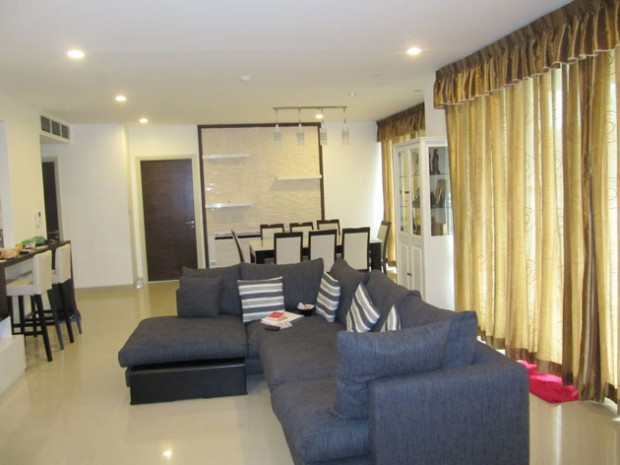 BKKMOVE Agency's Watermark Chaophraya River Condo ,River view low floor, 165 Sqm 3 bedroom 3 bathroom  1 maid for Rent/Sale Well price!! 2