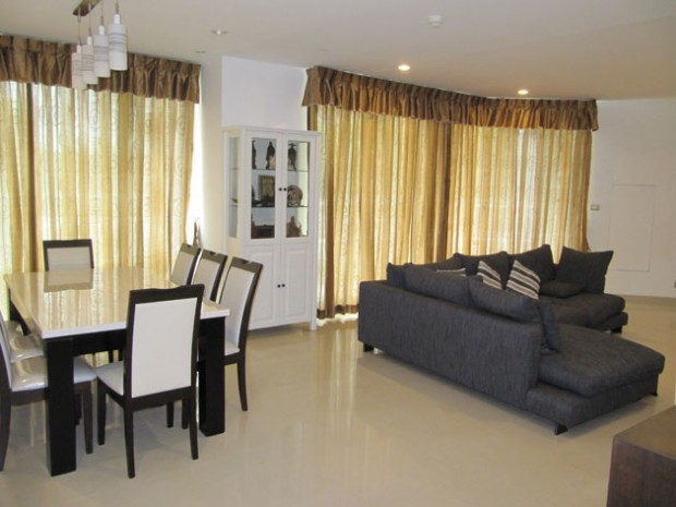 BKKMOVE Agency's Watermark Chaophraya River Condo ,River view low floor, 165 Sqm 3 bedroom 3 bathroom  1 maid for Rent/Sale Well price!! 1