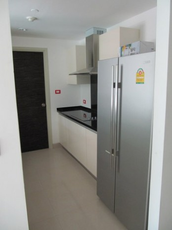 BKKMOVE Agency's Watermark Chaophraya River Condo ,River view low floor, 165 Sqm 3 bedroom 3 bathroom  1 maid for Rent/Sale Well price!! 3