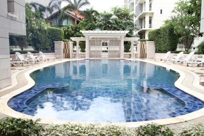 BKKMOVE Agency's 85sqm Low Rise, Convenient Two Bedrooms Apartment to let at La Vie En Rose 7