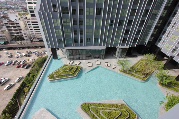 BKKMOVE Agency's 24sqm High Rise, Well price Studio Apartment for rent at Ideo Q Chula 7