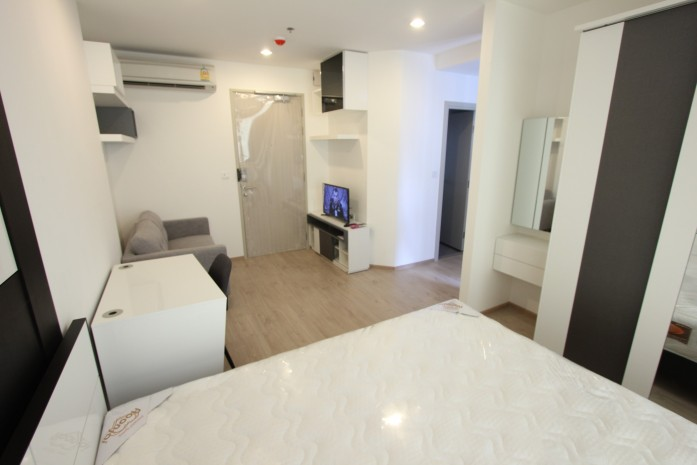 BKKMOVE Agency's 24sqm High Rise, Well price Studio Apartment for rent at Ideo Q Chula 3