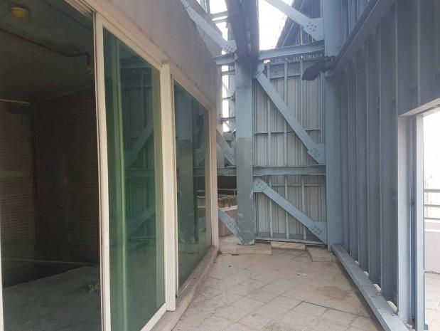 BKKMOVE Agency's Watermark Chaophraya River Condo ,River view High floor, 218 Sqm 3+1 bedroom 4 bathroom 2 kikchen 1 Big livingroom 1 maid for Sale Well price!! 5