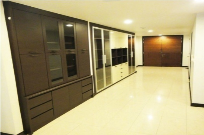 BKKMOVE Agency's Avenue 61 condo for rent well price!! spaious room 3bedroom 3bathroom 167sqm. 1