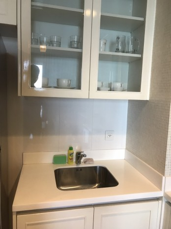 BKKMOVE Agency's 53sqm 1b/1b fully furnished Hight Floor 8