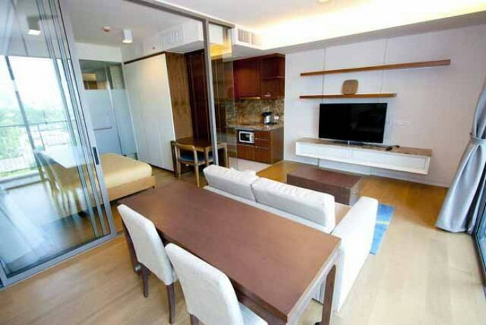 BKKMOVE Agency's Well price! Condo for rent near BTS High floor 3