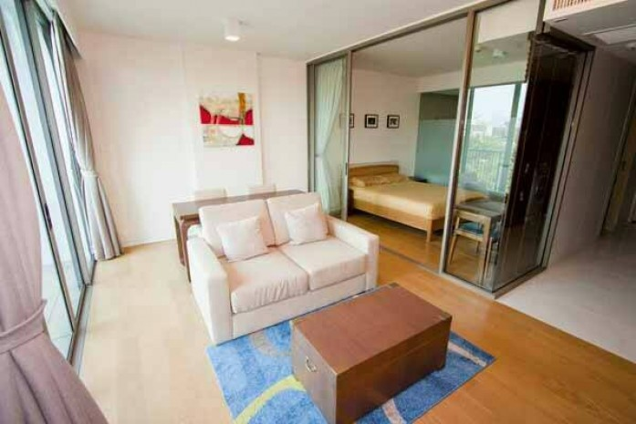 BKKMOVE Agency's Well price! Condo for rent near BTS High floor 1