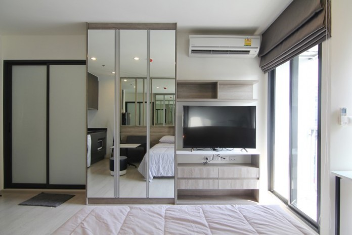 BKKMOVE Agency's Rhythm Asoke condo for rent/sale well price!! spaious room studio 1bathroom 22sqm. 2